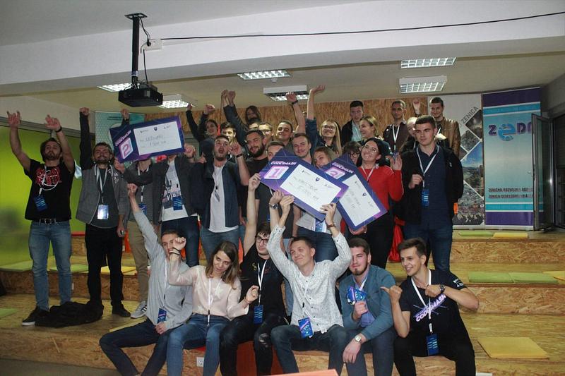 "Održan Code Smash Hackathon - pobjednik tim ""First Tech"""